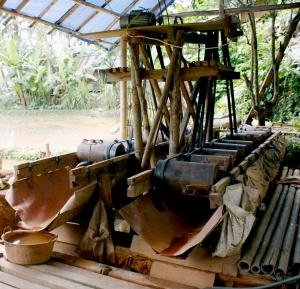 Gulundung, salah satu alat pengolahan batu emas.*