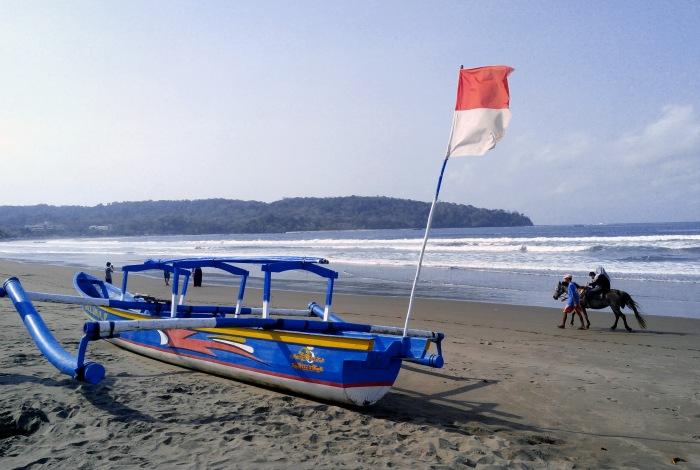 Pantai Pangandaran.*