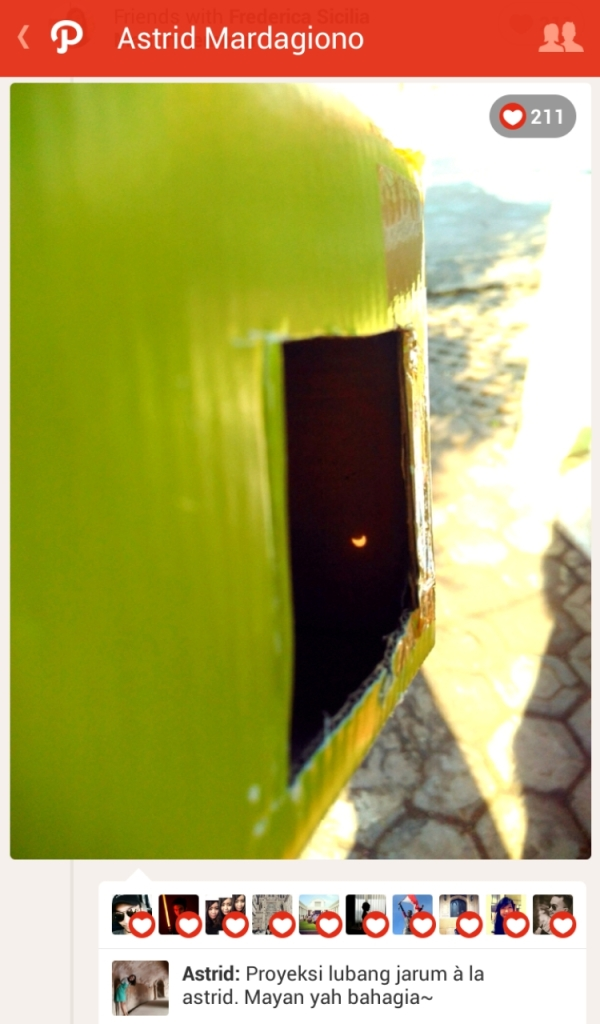 Proyeksi lubang jarum, terbuat dari kardus bekas.* Source: Path