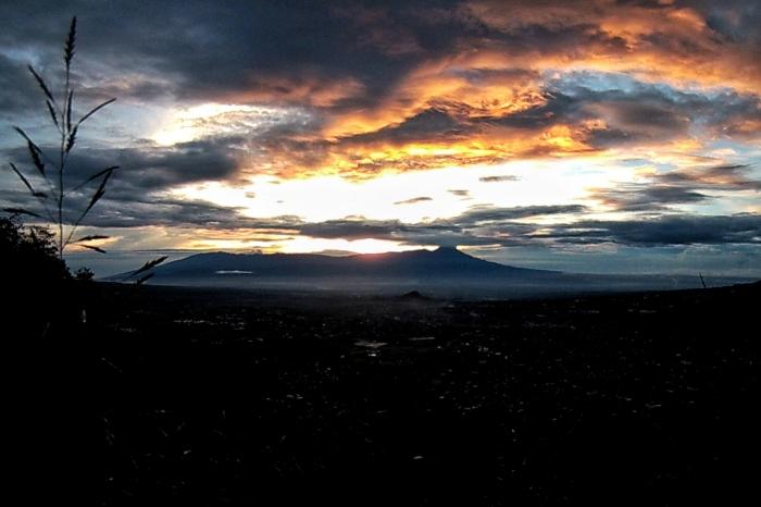 sunrise gunung banyak
